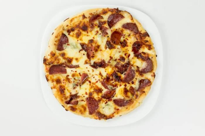 pizza diavola restaurant bon appetit 2