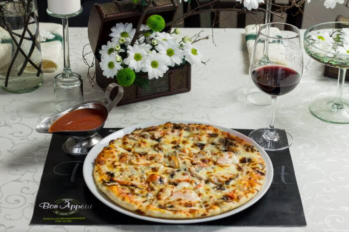 restaurant bon appetit campina pizza bianca 1