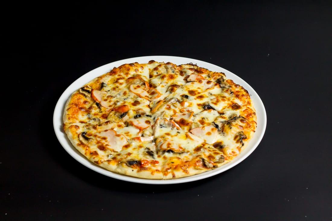 restaurant bon appetit campina pizza bianca 5