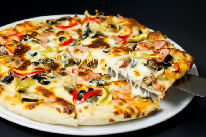 restaurant bon appetit campina pizza capriciosa 4