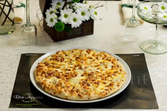restaurant bon appetit campina pizza quatro formagi 1
