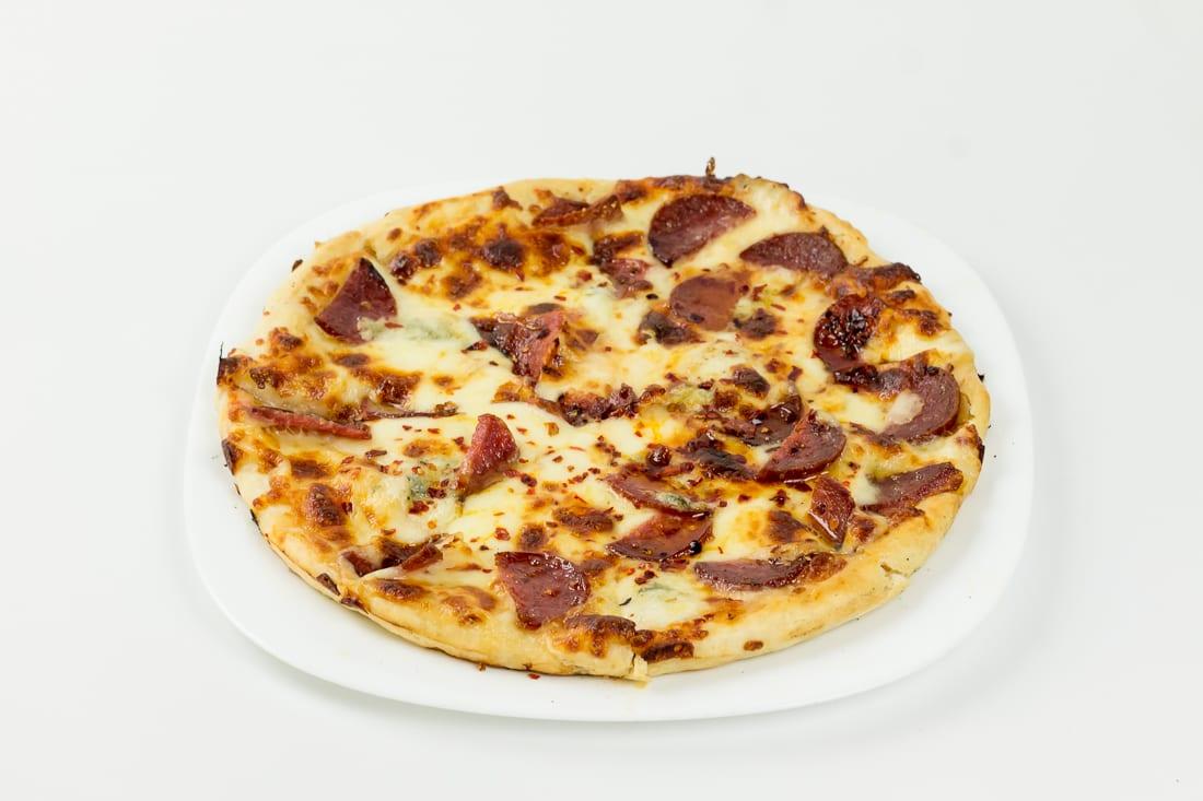 pizza diavola restaurant bon appetit 3