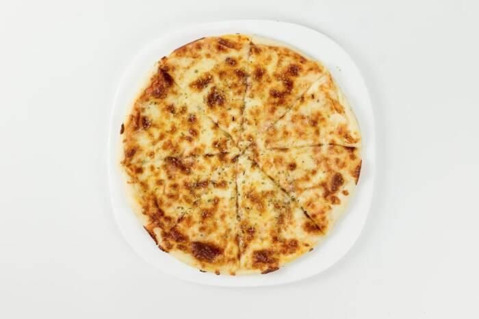 pizza margarita restaurant bon appetit 1