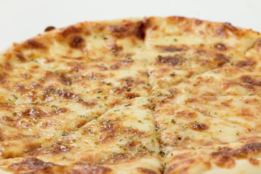 pizza margarita restaurant bon appetit 3