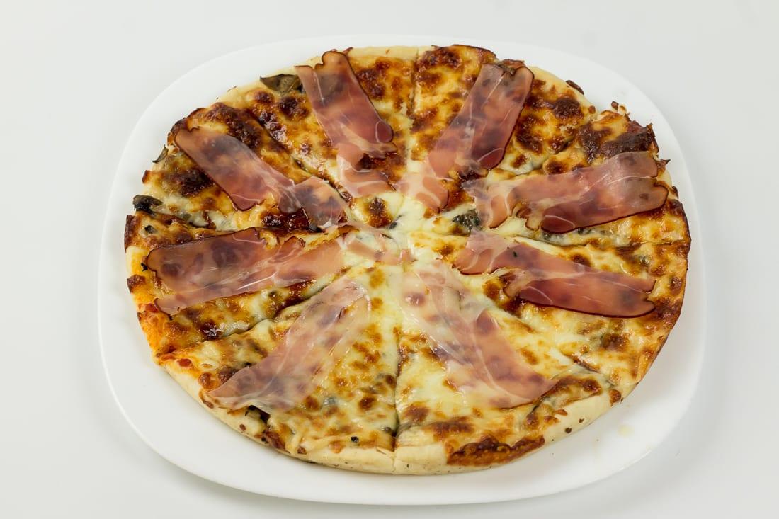 pizza prosciuto e restaurant bon appetit 2